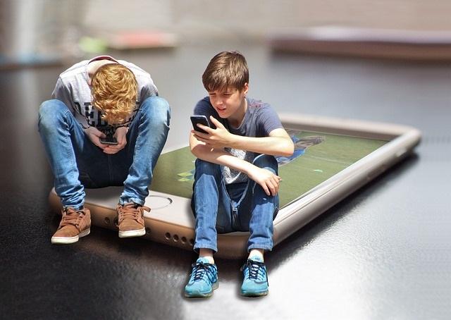 6 Redenen waarom kinderen onder 12 jaar geen mobiel moeten hebben 1