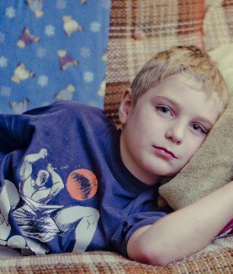 Buikgriep bij kinderen symptomen en wat te doen