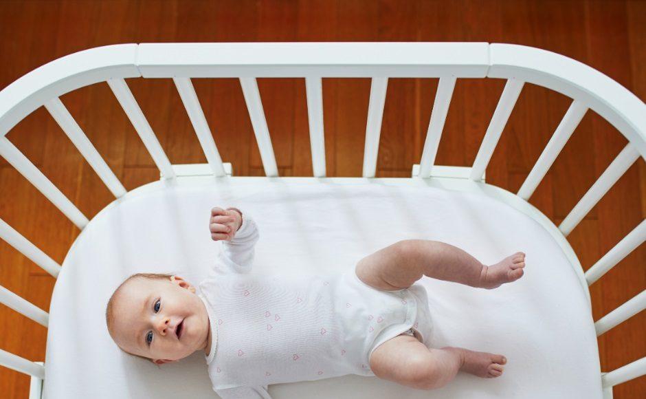 Co-sleeping baby veilig