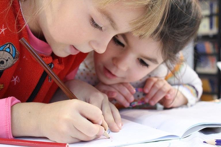 8 Redenen waarom het oudste kind het meeste respect verdient helpen