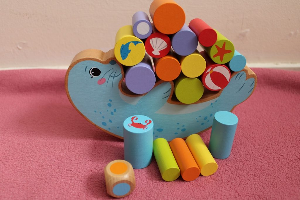 Speelgoed om de fijne motoriek van je kind te ondersteunen evenwichtsspel