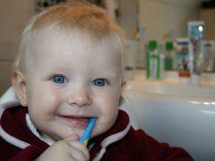 Waarom tanden poetsen van kinderen en tips om het leuk te maken
