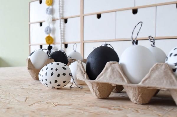 Pasen DIY en Paasknutsels voor kinderen handgeschilderde eieren