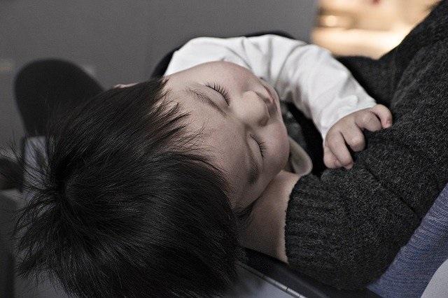 Koortsstuipen symptomen, wat te doen en gevolgen voor baby, kind en volwassenen kind