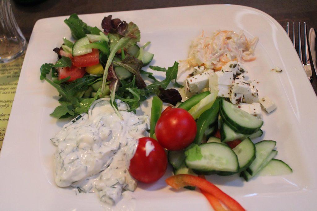 Onbeperkt eten, drinken en fun bij Fusion Dome Ede salade