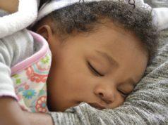 Is jouw kind te vroeg wakker 4 Tips om langer van je nachtrust te genieten
