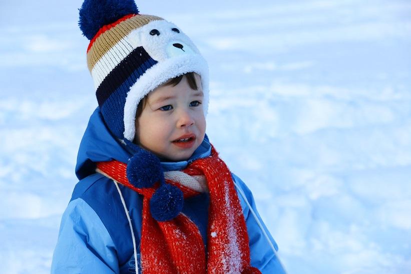 Buiten spelen in de kou Let dan vooral hierop kinderhuid