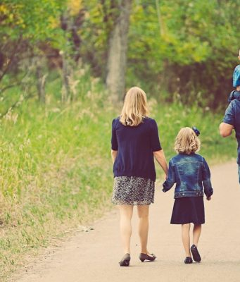 5 Tips om wandelen voor kinderen leuker te maken gezin