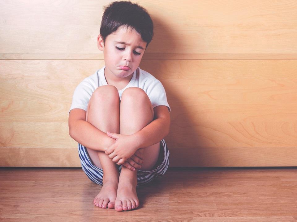 Deze 10 dingen moet je nooit doen in je opvoeding omdat ze gevaarlijk zijn voor je kind desinteresse
