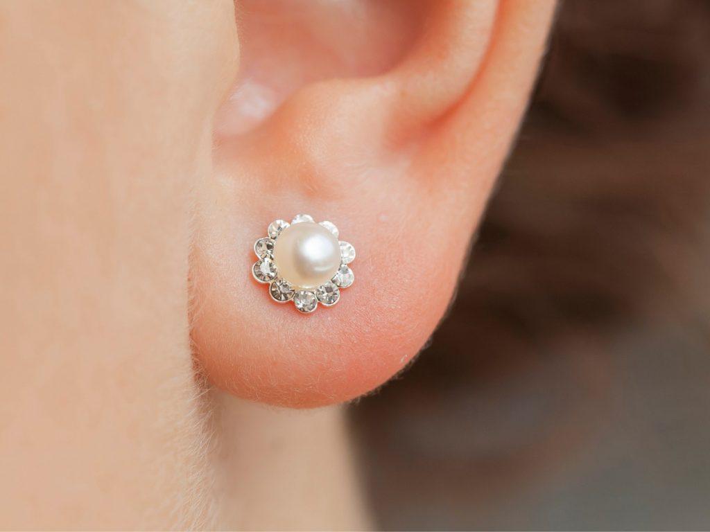 Stijladvies zo combineer je jouw oorbellen met de juiste outfit parels